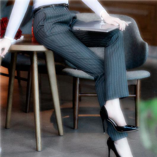 Сонник Женские брюки. К чему снятся Женские брюки