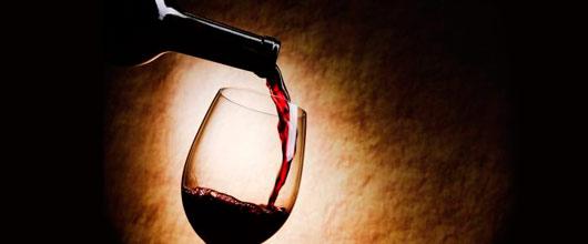Сонник Вино. К чему снится Вино